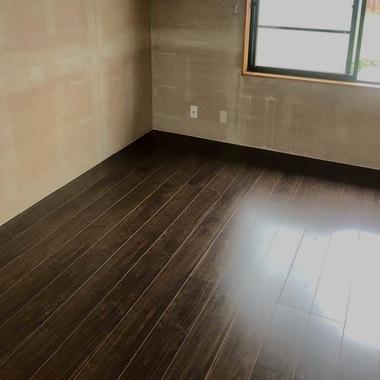 豊川市 壁紙張り替えと畳からフローリングへのリフォームの施工後写真(0枚目)
