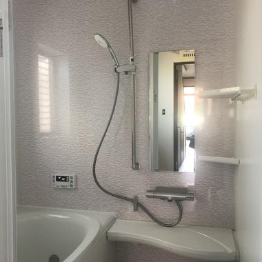 【浴室リフォーム】綺麗・清潔に最新のユニットバスにリフォームの施工後写真(1枚目)