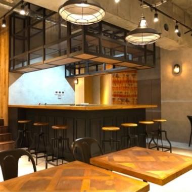 スケルトン クリニック & 薬局 & カフェ 複合テナント新装工事の施工後写真(0枚目)