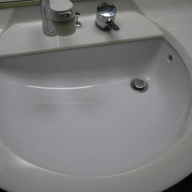 洗面台ひび割れ修繕(埼玉県川口市)の施工後写真(1枚目)