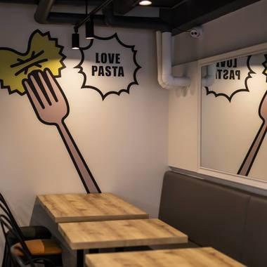 パスタ屋・イタリアン飲食店の内装工事の施工後写真(1枚目)