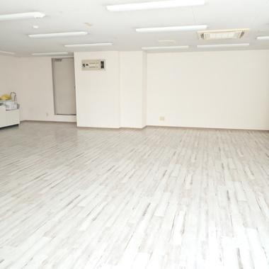 店舗の床全面張替♪の施工後写真(0枚目)