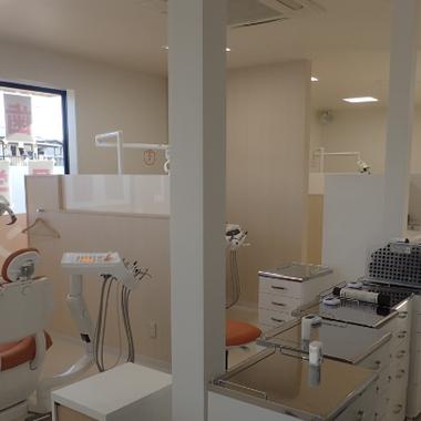 スケルトンの店舗を歯科クリニックにフルリノベーションの施工後写真(0枚目)