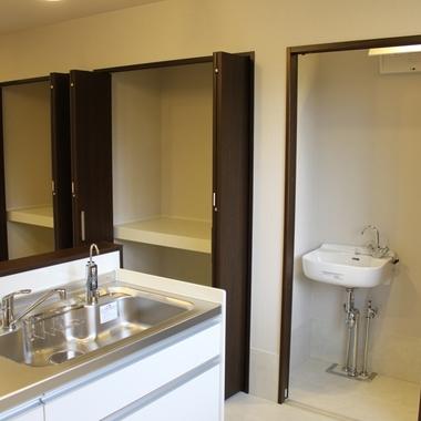 事務所兼作業場改装工事 完了 キッチン 収納