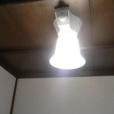 トイレリフォーム 完了 照明