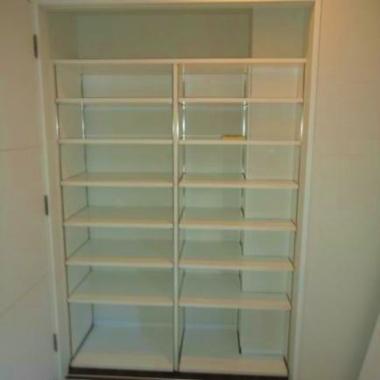 | 子供室 単行本用可動棚取付工事 完了