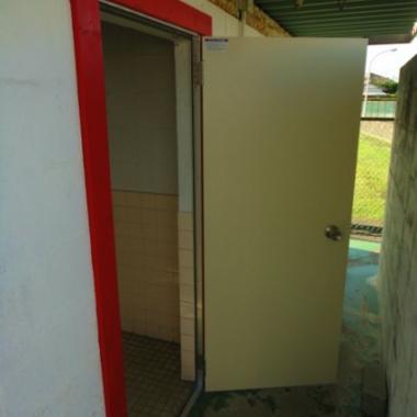 トイレドア交換工事 完了