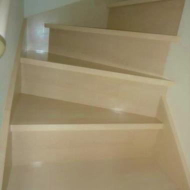 全室フロアコーティング 完了 階段