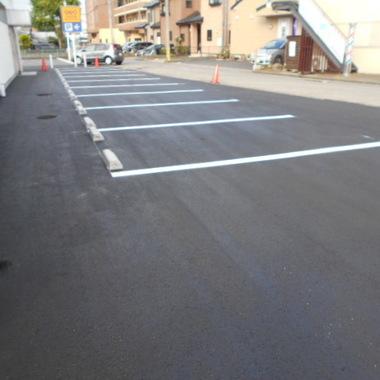 | 駐車場ライン引き タイヤ止め設置工事 完了