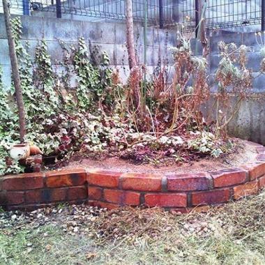 花壇の補修工事 完了