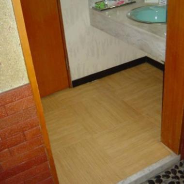 | 洗面所 たけひご床材貼り完了