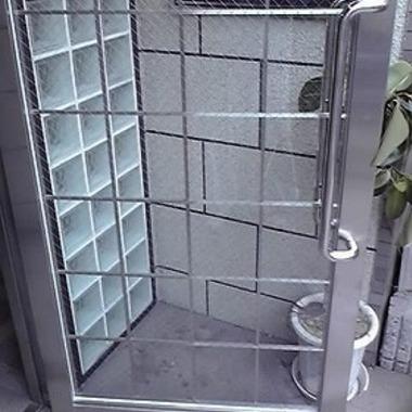 マンション 玄関部分 ガラス交換後1