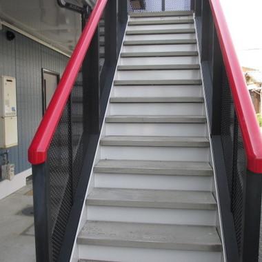 アパ-ト 階段塗装後