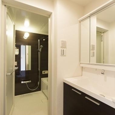 マンションリノベーション後 洗面所 浴室