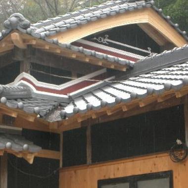 屋根瓦吹き替え後 屋根アップ 1
