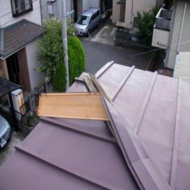 | トタン屋根 修理前