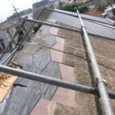 | 屋根修理風景