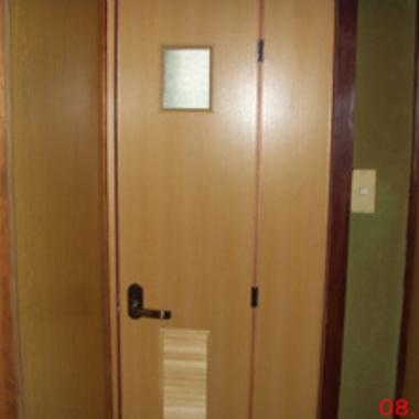 | トイレドア交換完了
