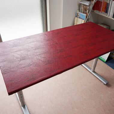 | テーブル レザーシート張り作業完了