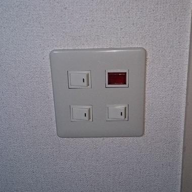 電気照明パネル スイッチ交換作業完了