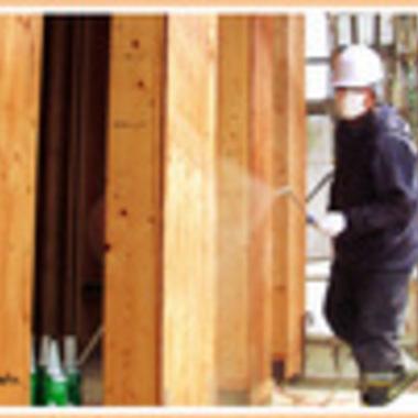 木材劣化対策工事作業中 1