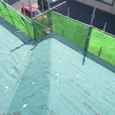 さいたま市桜区  コロニアル屋根葺き替え工事の施工前写真(2枚目)