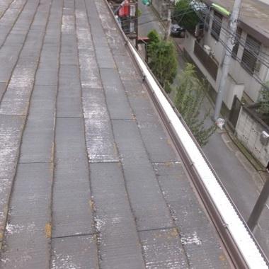 ガルバリウム屋根葺き替え前 剥がれ部分 横 雨どい