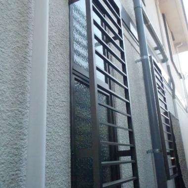 外側からの窓