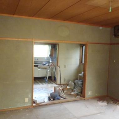 耐震補強工事 キッチン手前の部屋