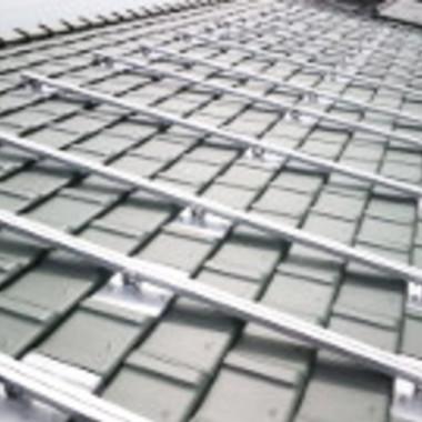太陽光発電施工中