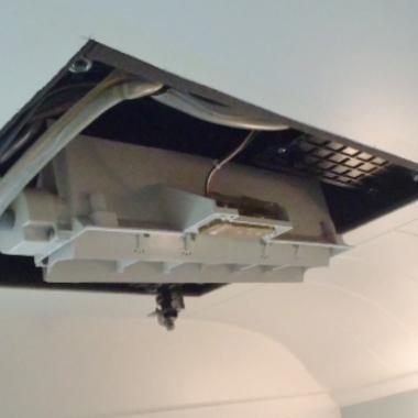 ミストサウナ付換気暖房乾燥機取り付け中
