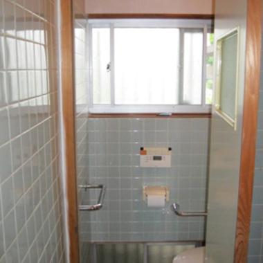 タイル張りトイレ