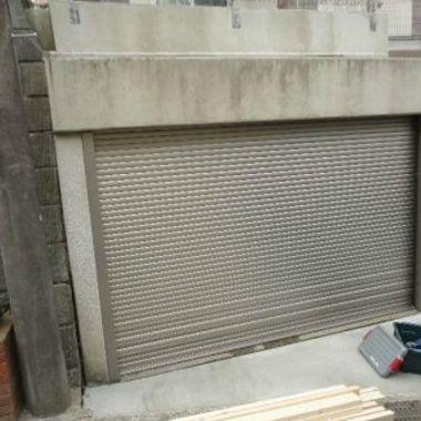 ガレージ外壁タイル張替え工事前