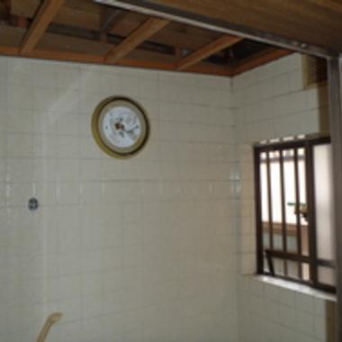 バスルームリフォーム前 壁面
