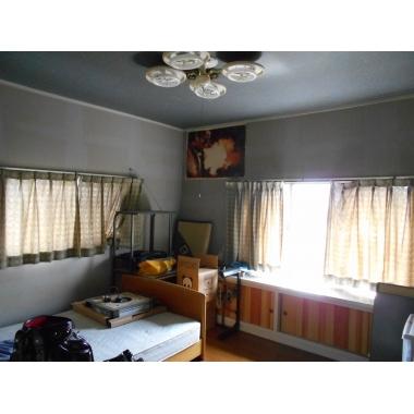 浜松市天竜区✕壁紙張替え✕明るく綺麗なお部屋にする工事の施工前写真(0枚目)