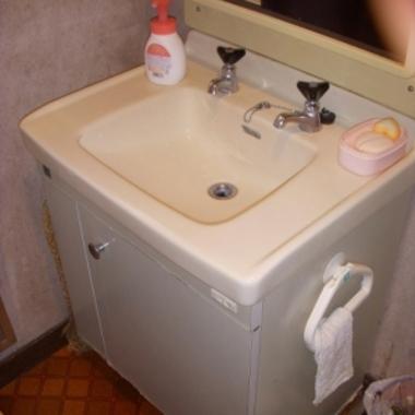 洗面台交換前