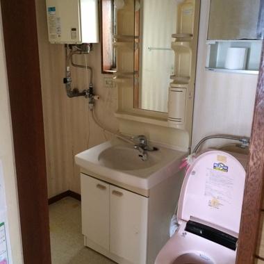 神奈川県鎌倉市 賃貸 トイレ、洗面台リフォームの施工前写真(0枚目)