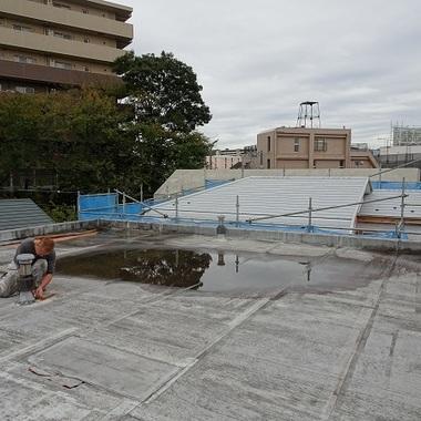 屋上防水工事前 目地・コンクリート撤去作業