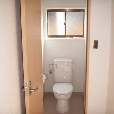 店舗改装前 トイレ