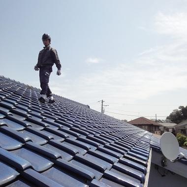 屋根葺き替えと太陽光設置 工事中
