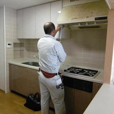 内装工事作業中 キッチン