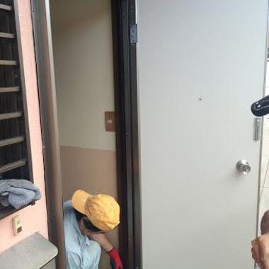 ドアを新しくしました!の施工前写真(1枚目)