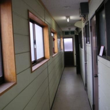 アパート2階部分を居宅へリフォーム前 通路