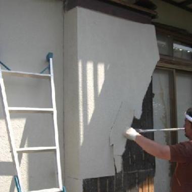 古くなった木製雨戸枠、戸袋 雨戸パネル をアルミ製に交換の施工前写真(1枚目)