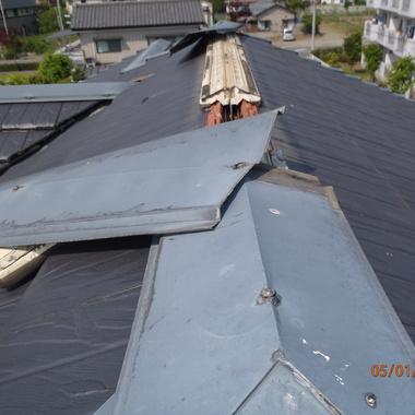 屋根修理工事前 アップ画像