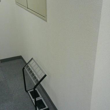 事務室の壁