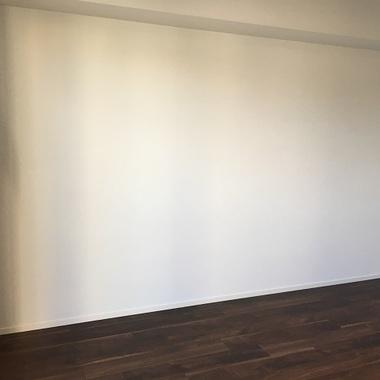 施工前の何もない壁