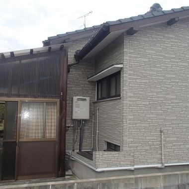 施工前の住宅外観 横