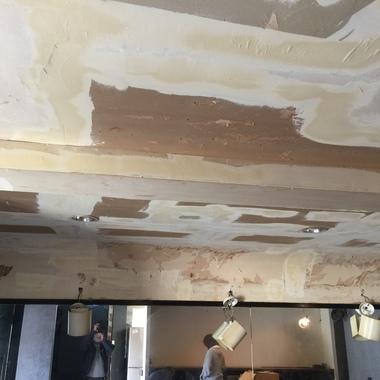 施工中の天井