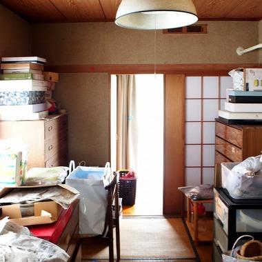 和室・リビング・キッチンを広くし、冬は日の光が差し込む、暖かくて明るい空間になりました。の施工前写真(2枚目)